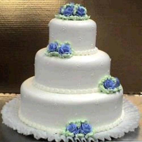 #125 Swiss Dots Fondant Cake