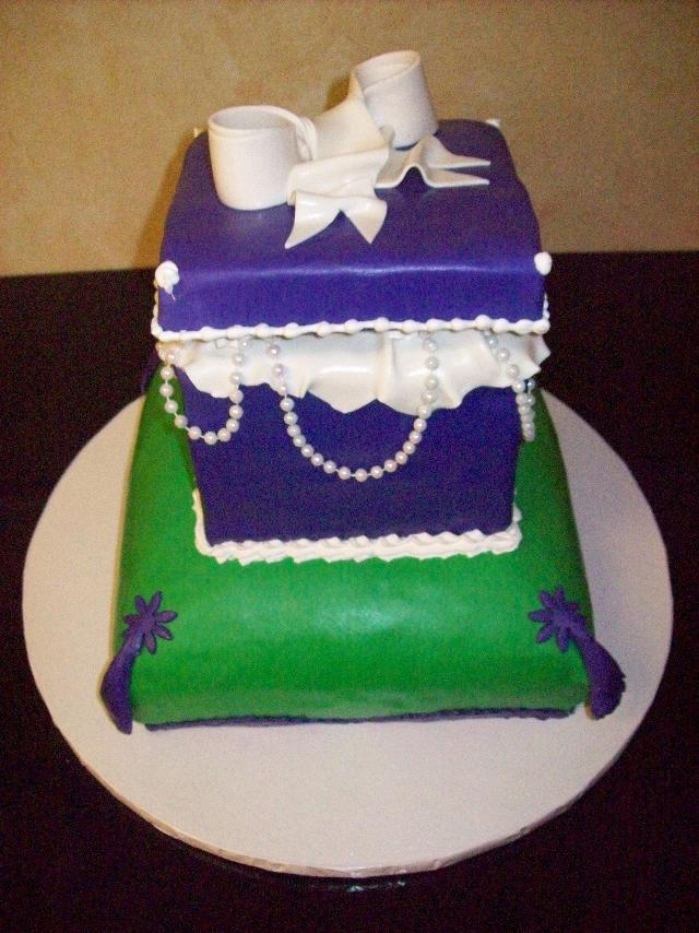 Jewelry Box Purse Fondant Cake