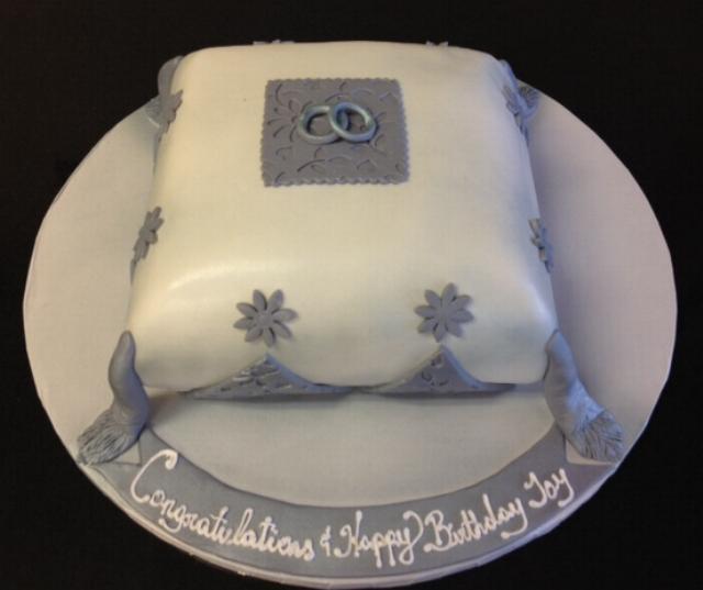 Pillow Fondant Cake